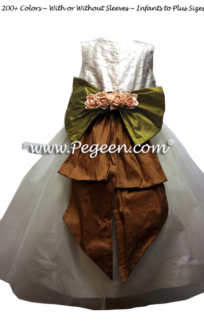 Silk pearl bodice in Oak Green and New Ivory Pegeen Classic Style 355