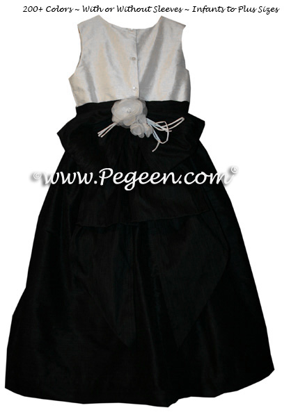 Black and White Flower Girl Dresses with Back Flower Style 345